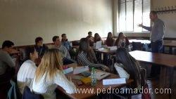 Cómo educar en la felicidad - Universidad Católica del Uruguay