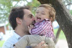 el dia del padre nico sonriendo con el experto en felicidad